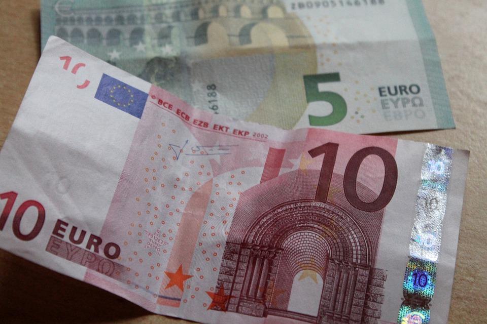 EU dvě bankovky