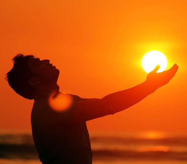 slunce na dlani.jpg